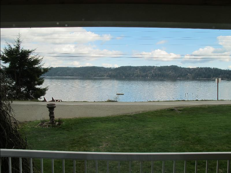yh hood canal view_resized.jpg
